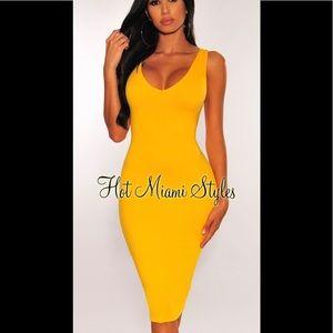 Hot Miami Styles Dress Size Small Yellow NWT